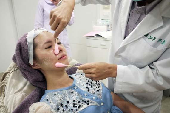 童顏針治療前-消毒